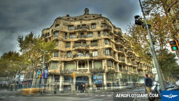 ve-may-bay-di-barcelona-7