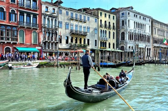tiền vé máy bay đi Ý từ Hà nội
