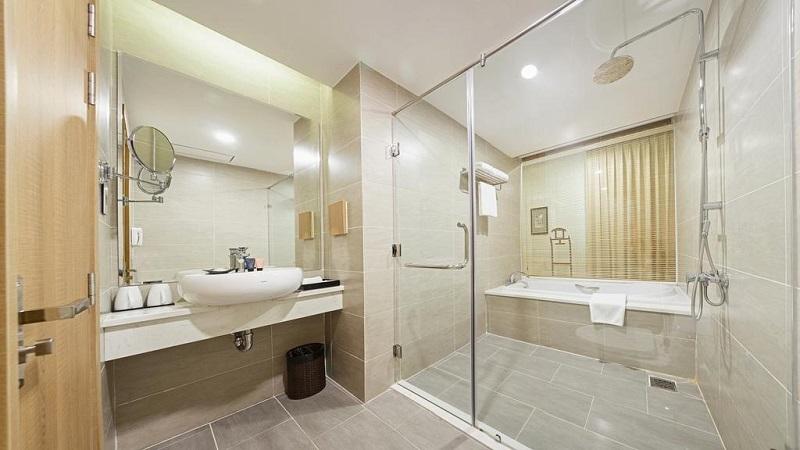 Phòng tắm tại Khách sạn mường thanh sài gòn