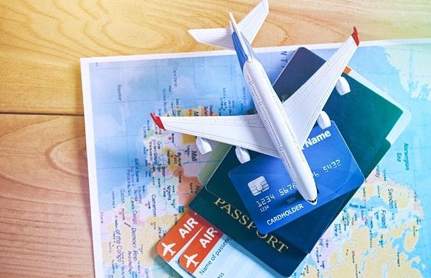 giấy tờ liên quan đến chuyến bay từ Canada về Việt Nam
