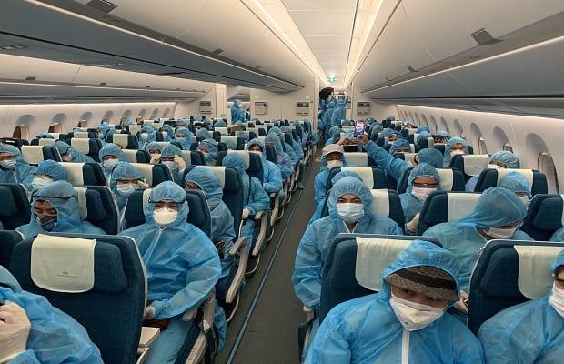 hành khách cụ thể của chuyến bay từ Canada về Việt Nam