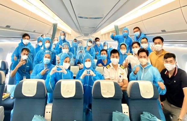 đối tượng cụ thể của chuyến bay từ Canada về Việt Nam
