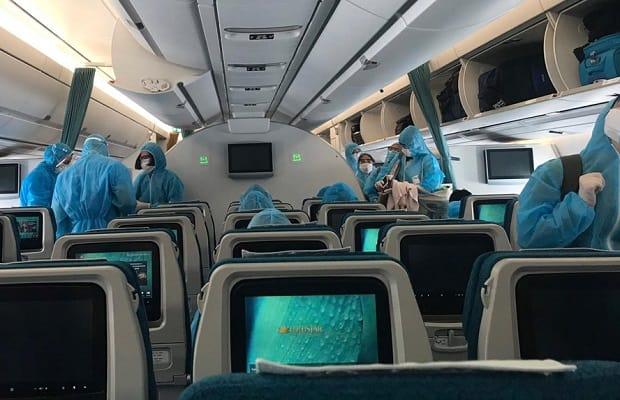 hành khách đặt chuyến bay từ Đức về Việt Nam đầu tháng 4