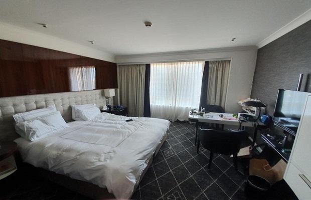chuyến bay từ úc về việt nam tháng 4 đặt phòng khách sạn