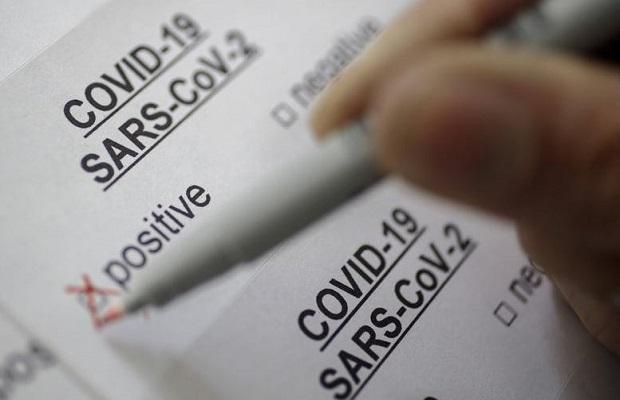 Có giấy xác nhận (có ngôn ngữ tiếng Anh) âm tính với virus SARS-CoV-2